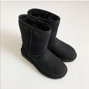 UGG classic boots in black